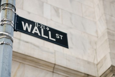 Wall Street apre sotto la parità, pesano i risultati societari