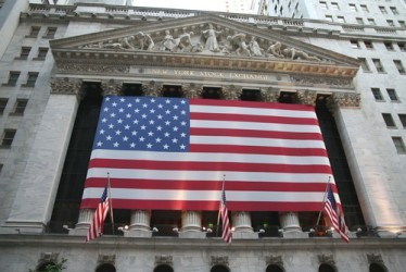 Wall Street riduce i guadagni, Dow Jones e Nasdaq +0,4%