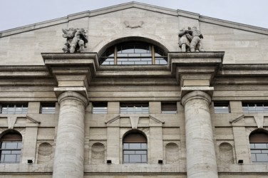 Avvio in rialzo per la Borsa di Milano