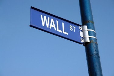 Il rally del petrolio spinge Wall Street
