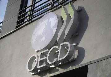 OCSE, superindice in calo a febbraio. Rallentano Germania e Italia