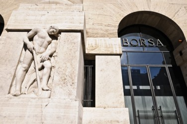 La Borsa di Milano apre in moderato ribasso
