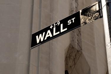 Wall Street debole a metà seduta, Dow Jones -0,5%