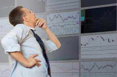 Borsa Milano termina in ribasso, male le banche
