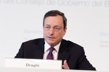 Draghi: Tassi bassi ancora a lungo. BCE alza stime Pil e inflazione 2016