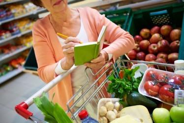 Istat, la fiducia dei consumatori scende anche a giugno