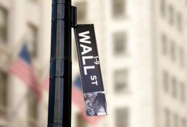 Wall Street termina in netto ribasso, petrolio sotto 50 dollari
