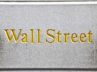 Wall Street apre la settimana poco mossa