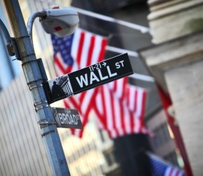 Wall Street sale ancora, in luce Bank of America e i semiconduttori