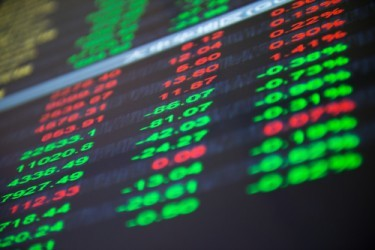 Borse Asia-Pacifico: Shanghai chiude ai minimi da un mese