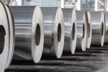 Alluminio: La produzione globale sale ai massimi da un anno