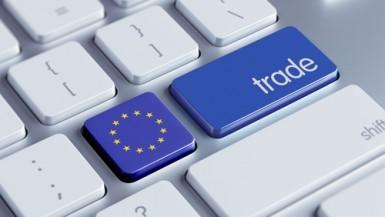Eurozona, il surplus commerciale cala a luglio a 25,3 miliardi