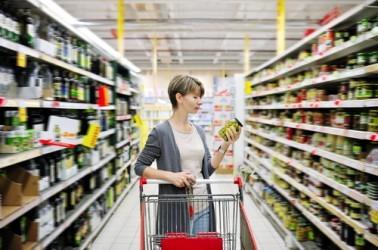 Germania, sondaggio Gfk su fiducia consumatori scende a 10 punti