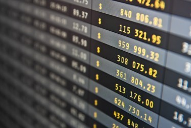 La Borsa di Milano parte in leggera flessione