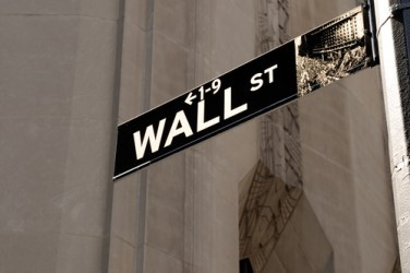 Wall Street parte in flessione, Dow Jones -0,9%