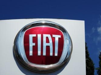 Fiat Chrysler torna all'utile nel terzo trimestre, alza target 2016