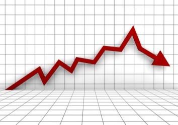 La Borsa di Milano vira in rosso, MPS ancora sotto pressione
