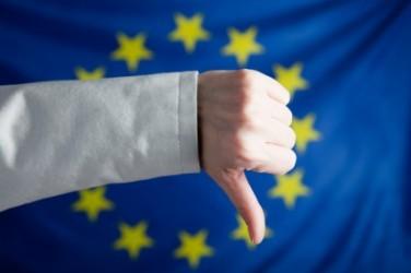 Le borse europee scendono, vendite su minerari e petroliferi