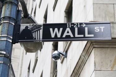 Wall Street apre in leggero calo dopo pioggia risultati societari