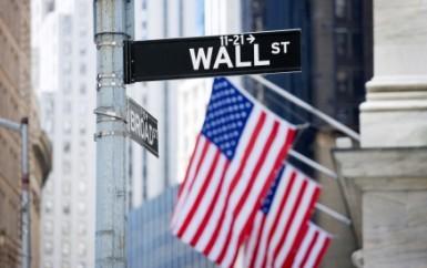 Wall Street chiude in leggero rialzo, il crollo di Intel frena gli indici