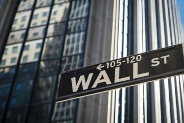 Wall Street chiude in moderata flessione