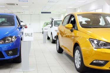 Il mercato europeo dell'auto frena ad ottobre, in calo Francia e Germania