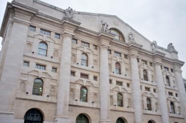 Piazza Affari rimbalza con le banche, boom MPS