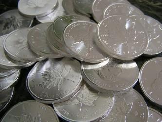 Prezzo argento in caduta libera, attenzione al supporto a 16,50 dollari