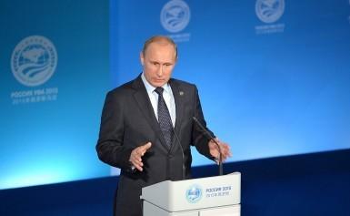 Putin fa volare i prezzi del petrolio, Russia pronta a congelare produzione