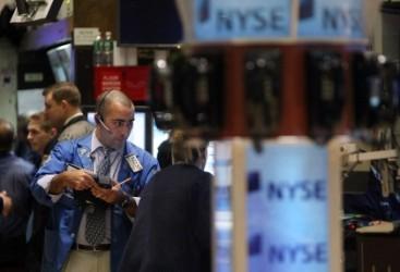 Wall Street chiude contrastata, realizzi sui bancari
