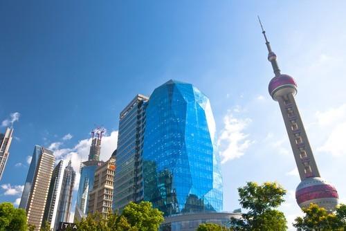 La Borsa di Shanghai torna a salire, forti acquisti sulle materie prime