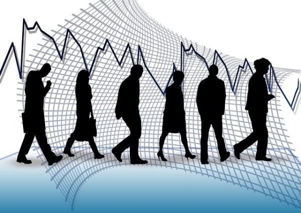 Lavoro, crollano i contratti a tempo indeterminato, crescono i voucher