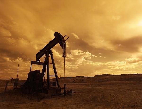 Petrolio in salita a inizio settimana, si arresta ripresa produzione in Libia