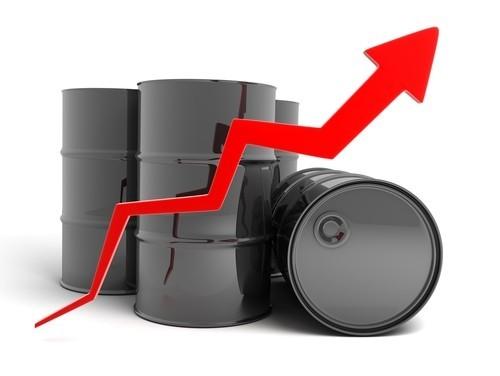 Prezzo del petrolio in buon progresso dopo dato PIL Stati Uniti