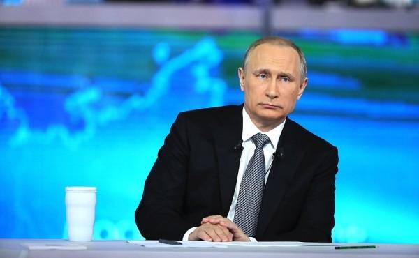 Petrolio: Putin vede i prezzi stabilizzarsi attorno a 55 dollari
