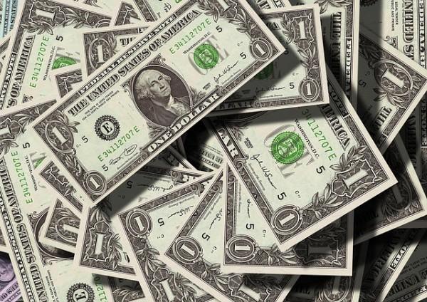 Quotazione dollaro ancora debole, improvviso balzo dell'euro