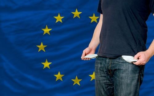 Unione Europea, occupazione record, ma uno su quattro è a rischio povertà
