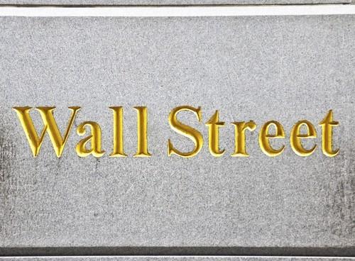 Wall Street chiude poco mossa, realizzi sui bancari