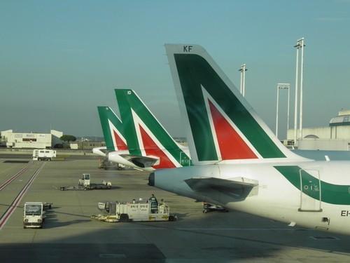 Alitalia, domani vertice al Mise. In arrivo 4.000 esuberi?