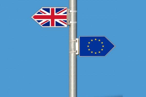 """Brexit: La Corte Suprema gela la May. """"Necessario voto del Parlamento"""