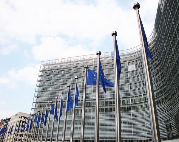 Bruxelles scrive a Padoan: necessario consolidamento pari allo 0,2% del PIL