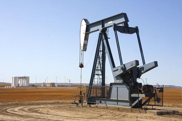 Il petrolio chiude in netto ribasso, pesa nuovo aumento trivelle USA