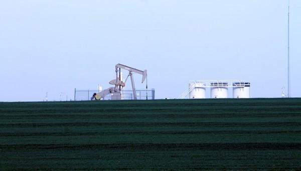 Il prezzo del petrolio inizia il 2017 in progresso: Kuwait taglia produzione