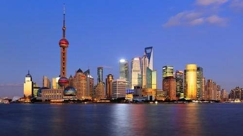 La Borsa di Shanghai frena, ma la performance settimanale è positiva