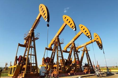 Petrolio: La produzione USA tornerà a crescere nel 2017