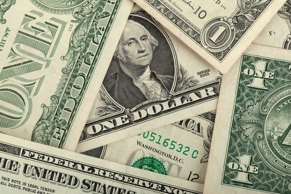 Quotazione dollaro: Per gli analisti salirà ancora, probabile parità sull'euro