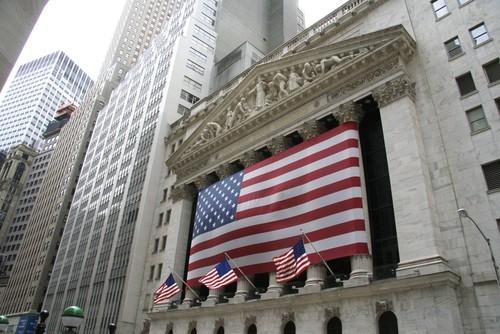 Wall Street apre in lieve rialzo dopo pioggia di trimestrali