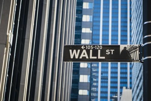 Wall Street sulla parità nei primi scambi
