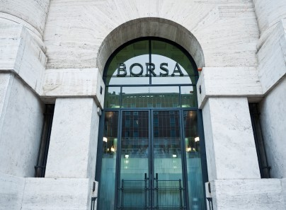 Apertura Borsa Milano: Fiat Chrysler sotto pressione, FTSE MIB poco mosso