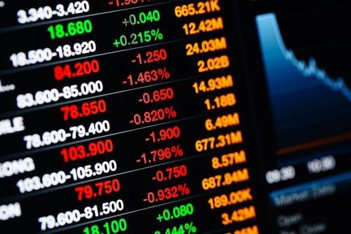 Borse europee chiudono deboli, realizzi sui bancari